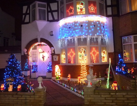 Christmas lights in Essex Park