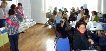 Tea and cakes at Avenue House - photo