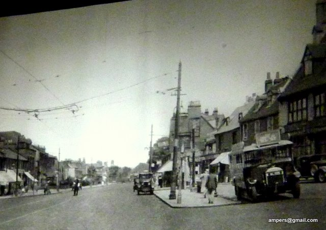 Photo of the screen showing an old Finchley photograph